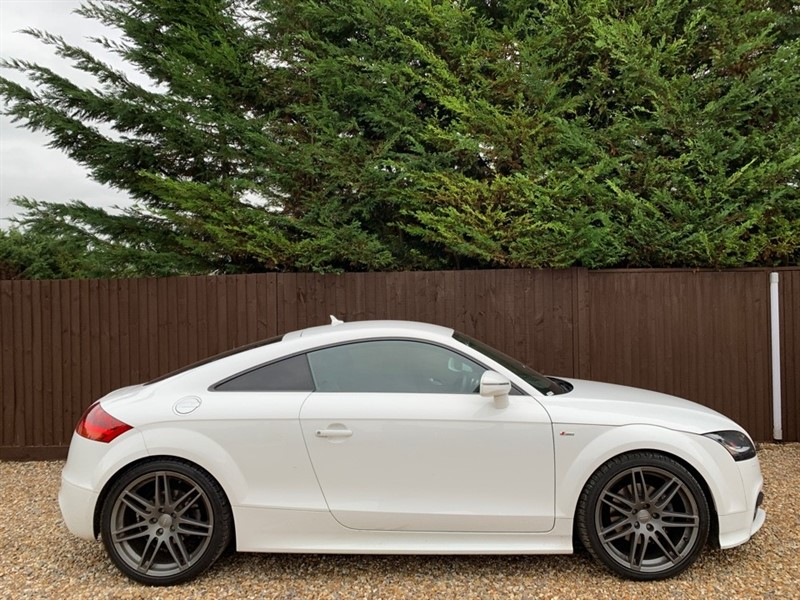 used Audi TT TFSI QUATTRO BLACK EDITION in basingstoke-hampshire
