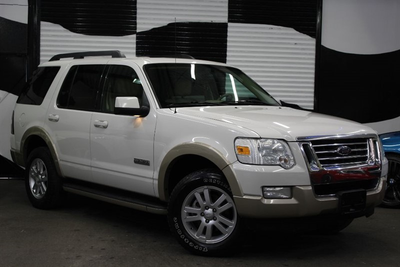 used Ford Explorer Eddie Bauer Limited Edition 4.0 V6 AUTO in basingstoke-hampshire