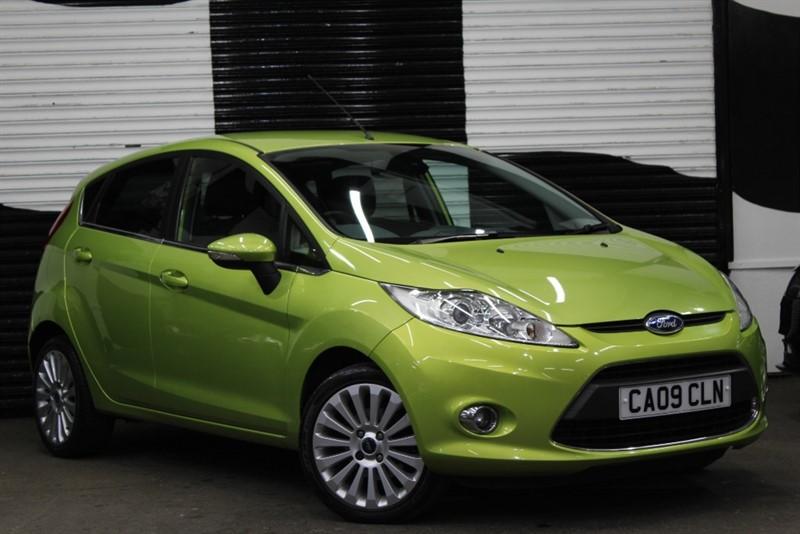 used Ford Fiesta TITANIUM in basingstoke-hampshire
