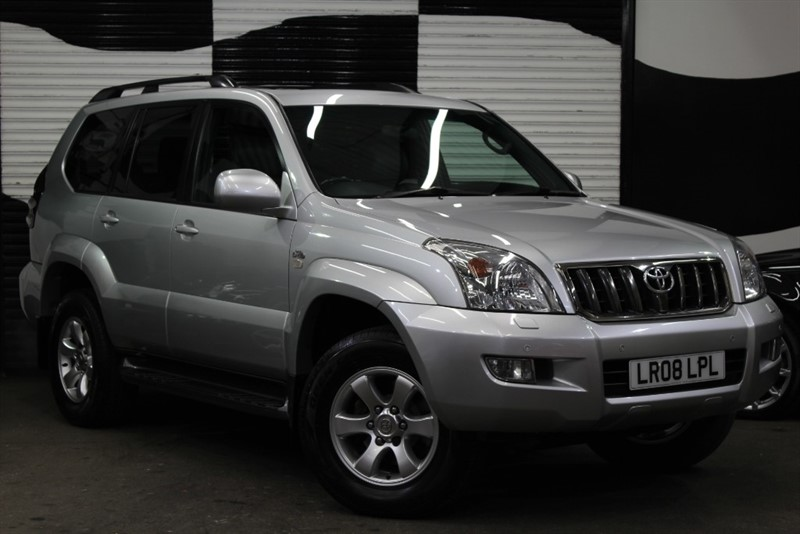 used Toyota Land Cruiser INVINCIBLE D-4D 8 STR in basingstoke-hampshire