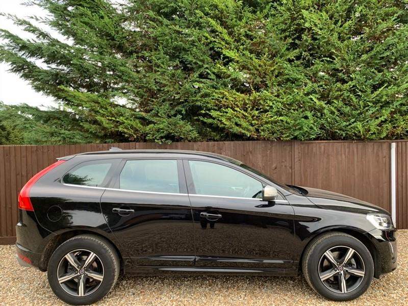 used Volvo XC60 D5 R-DESIGN NAV AWD in basingstoke-hampshire
