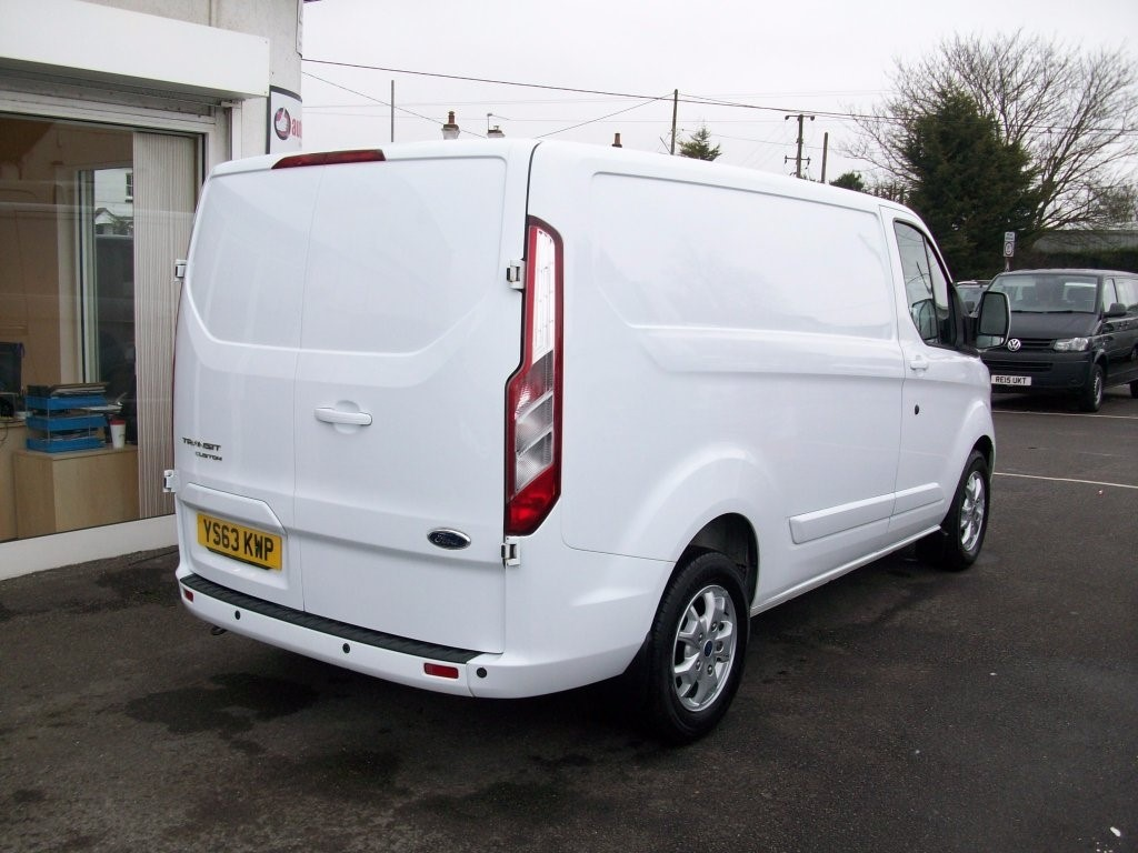 ford transit custom in tring hertfordshire compucars. Black Bedroom Furniture Sets. Home Design Ideas