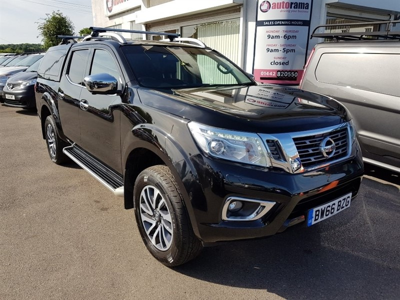 used Nissan Navara dCi Tekna Double Cab Pickup 4WD 4dr (EU6) in hertfordshire