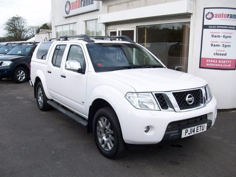 used Nissan Navara dCi V6 Outlaw Double Cab Pickup 4dr (EU5) in hertfordshire