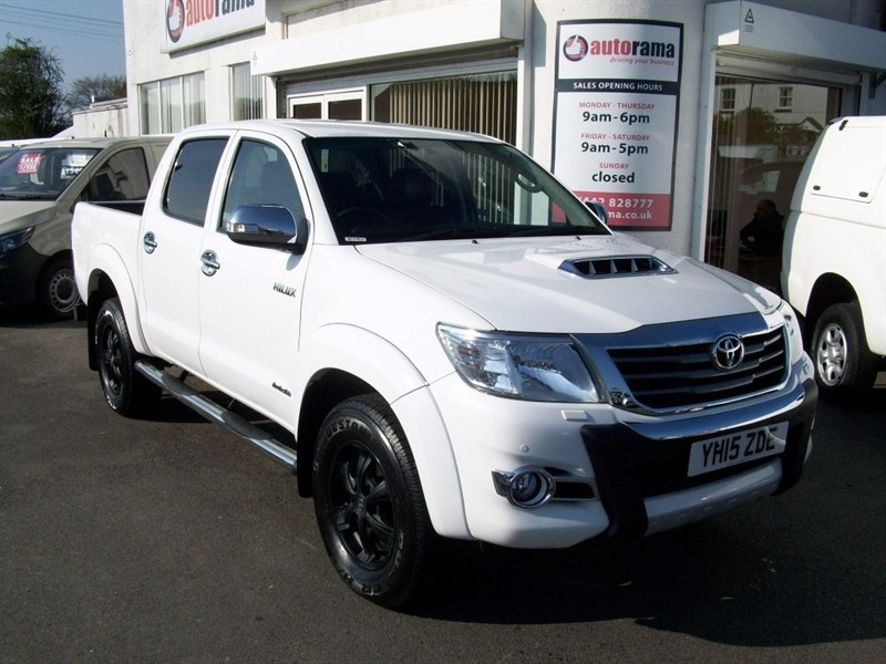 used Toyota Hilux D-4D Invincible X Double Cab Pickup 4dr in hertfordshire