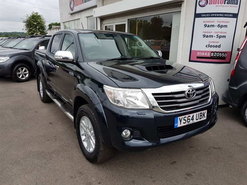 used Toyota Hilux D-4D Invincible Double Cab Pickup 4dr in hertfordshire