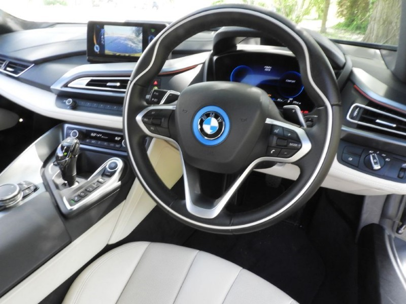 Bmw I8 I8 Pure Impulse Design Pack Quirks Car Company