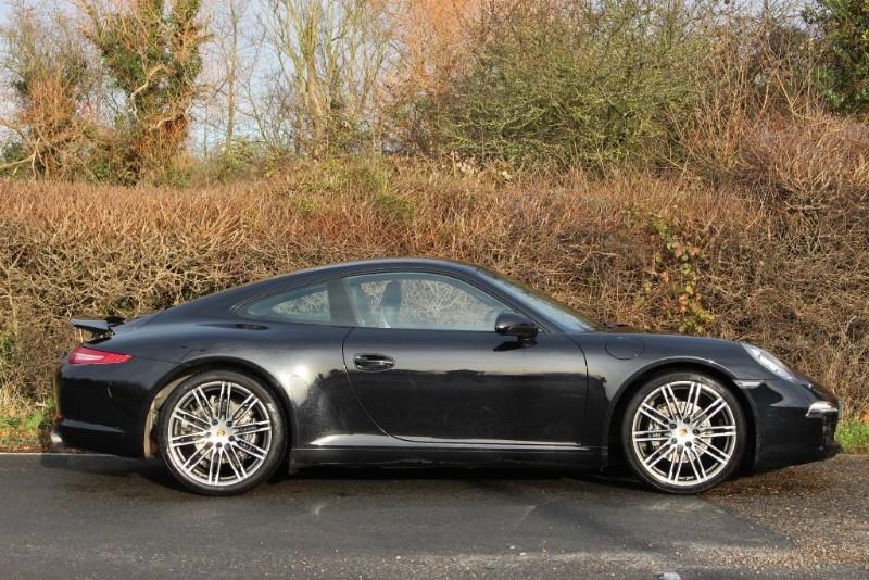 Porsche 911 991 CARRERA BLACK EDITION PDK | Quirks Car Company