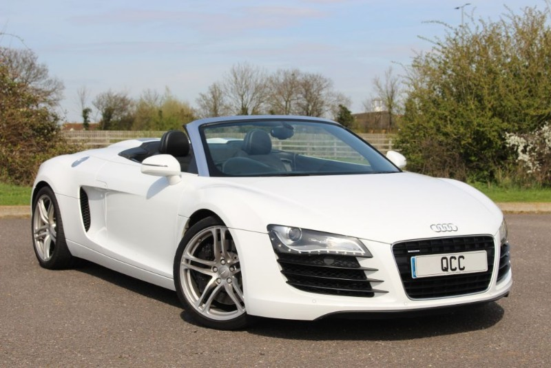 used Audi R8 SPYDER V8 QUATTRO R TRONIC in essex-for-sale
