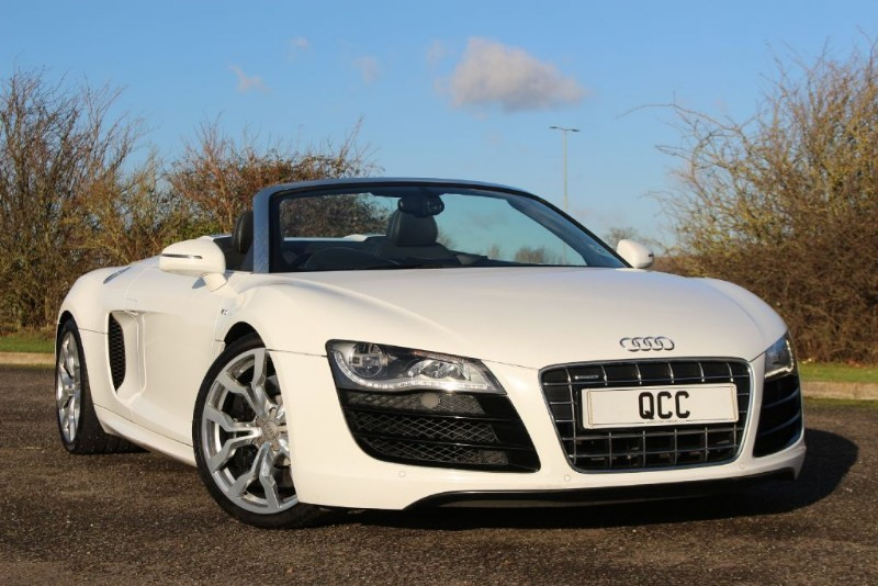 used Audi R8 SPYDER V10 QUATTRO R TRONIC in essex-for-sale