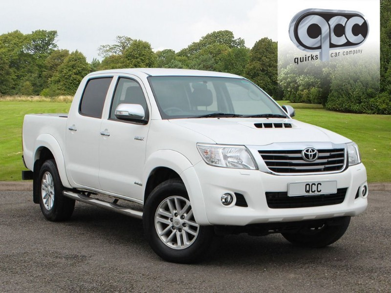 used Toyota Hilux HI-LUX INVINCIBLE 4X4 D-4D DCB NO VAT! in essex-for-sale