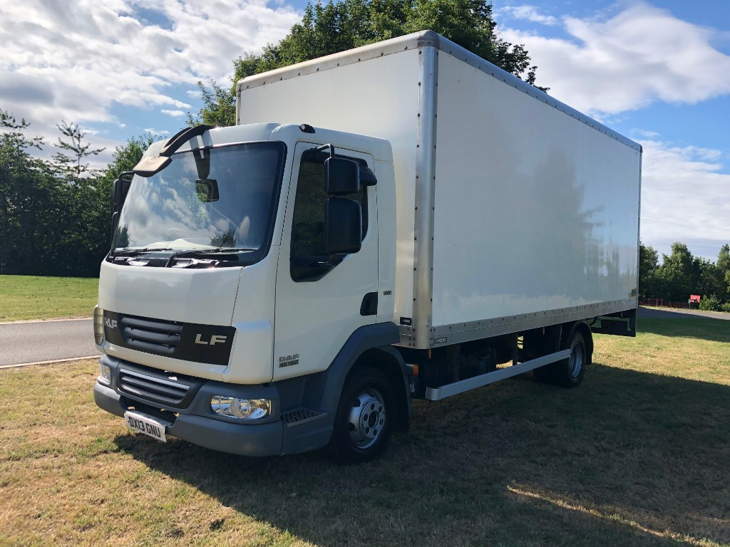 79f92851e19b27 Used DAF LF45 .160 20ft 7.5T Box Van With Tail Lift