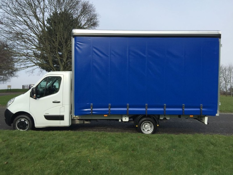 used Vauxhall Movano 16ft 6in (5M.) Cutainsider *NEW BODY* in walsall