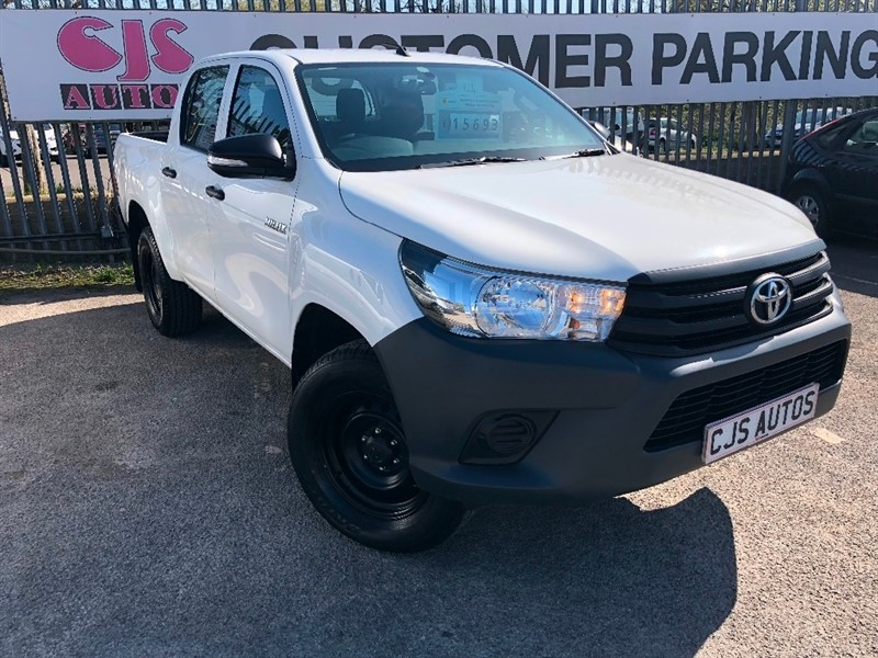 used Toyota Hilux D-4D Active Double Cab Pickup 2dr in Bedminster-Bristol