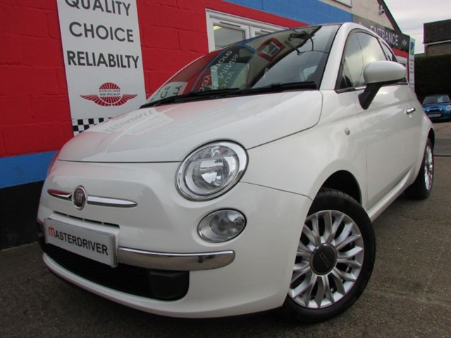 used Fiat 500 1.2 LOUNGE, WHITE, 5926 MILES in aylesbury-buckinghamshire