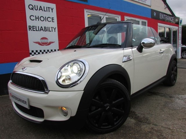 used MINI Convertible COOPER S,SAT-NAV, LEATHER TRIM in aylesbury-buckinghamshire