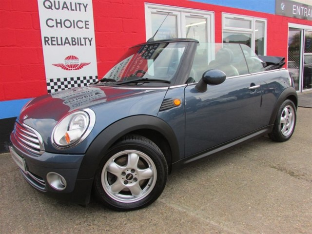 used MINI Convertible COOPER, LEATHER TRIM, CHILLI PACK in aylesbury-buckinghamshire