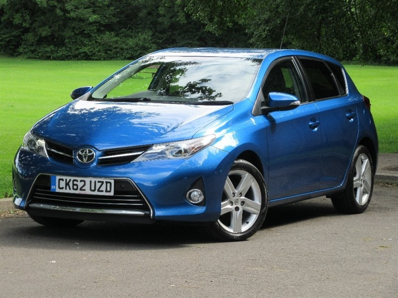 used Toyota Auris V-Matic Excel 5dr in cardiff-glamorgan