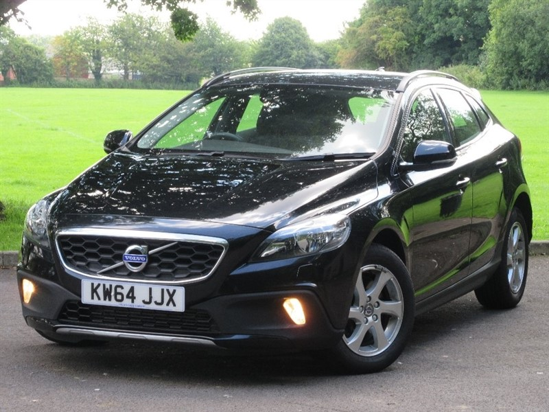 used Volvo V40 Cross Country TD D4 SE 5dr (start/stop) in cardiff-glamorgan