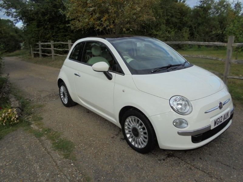 used Fiat 500 0.9 LOUNGE TWIN AIR in leatherhead-surrey