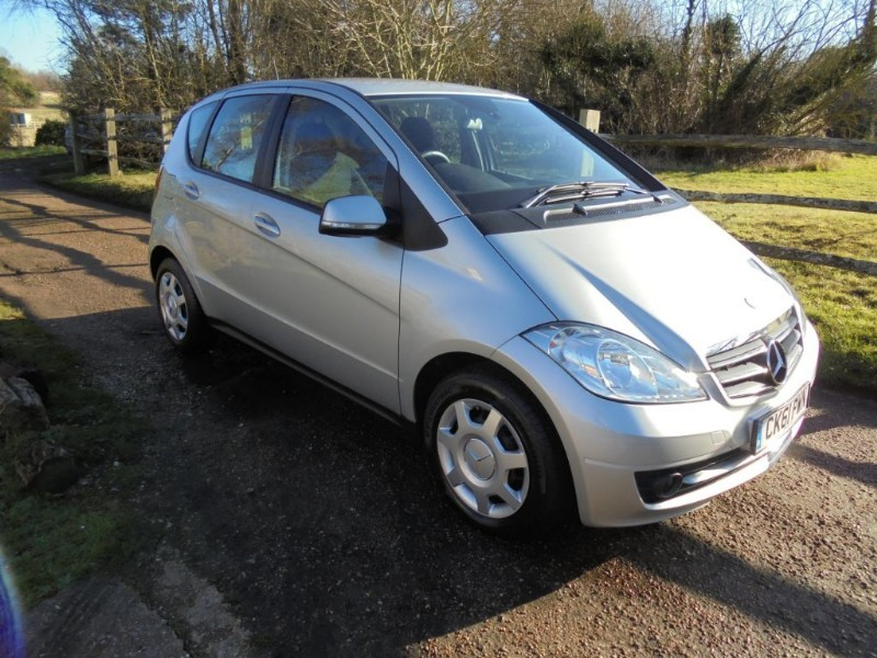 used Mercedes A150 1.6 Classic SE 5 Door Automatic in leatherhead-surrey