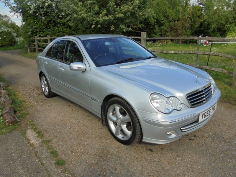used Mercedes C180 C180 KOMPRESSOR AVANTGARDE SE in leatherhead-surrey