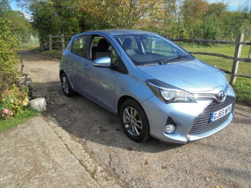 used Toyota Yaris 1.3=VVT-I ICON 5 DOOR  in leatherhead-surrey