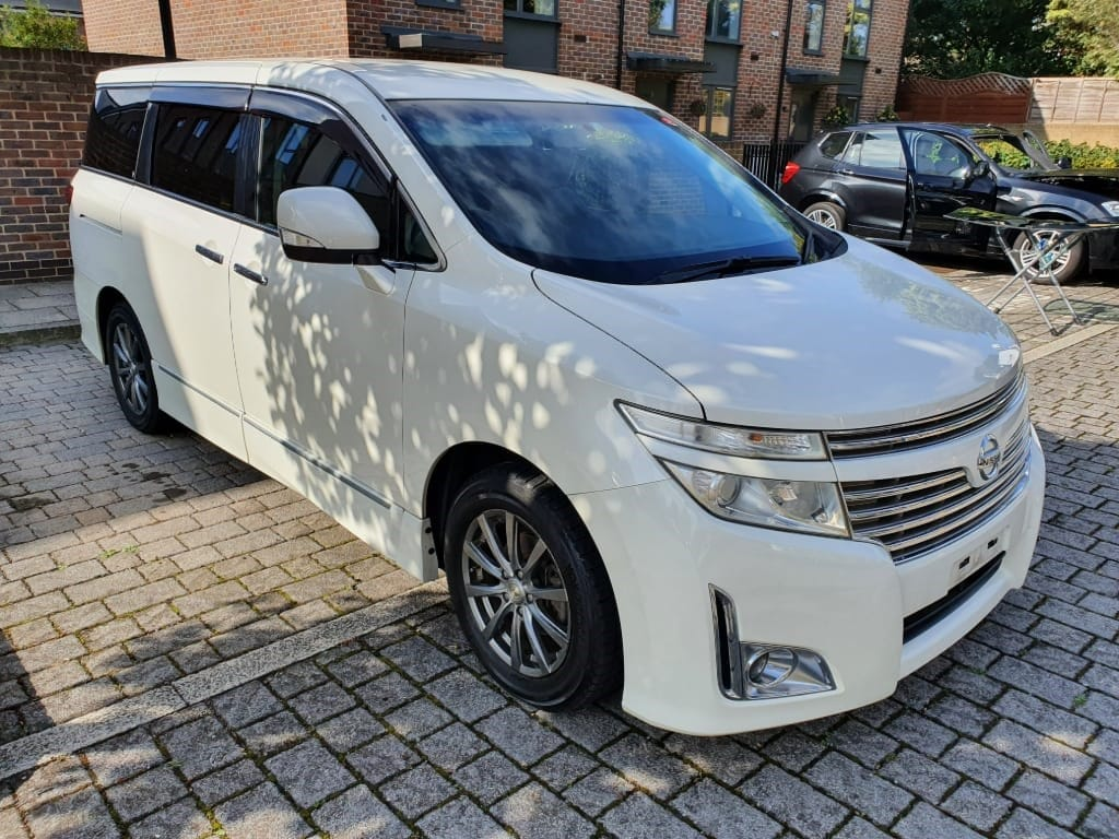 used Nissan Elgrand NISSAN ELGRAND/HIGHWAY STAR/ULEZ FREE,2.5 AUTO,7 SEATER,FRESH IMPORT,VERIFIED MILES in essex