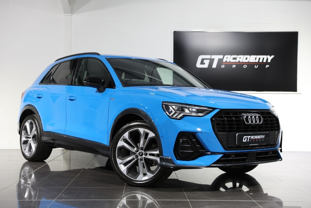 used Audi Q3 1.5TFSI S LINE VORSPRUNG 35 - PAN ROOF - VERY HIGH SPEC in tring-hertfordshire