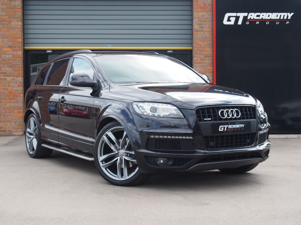 used Audi Q7 4.2TDI QUATTRO S LINE AA INSPECTED - PAN ROOF - VERY HIGH SPEC in tring-hertfordshire