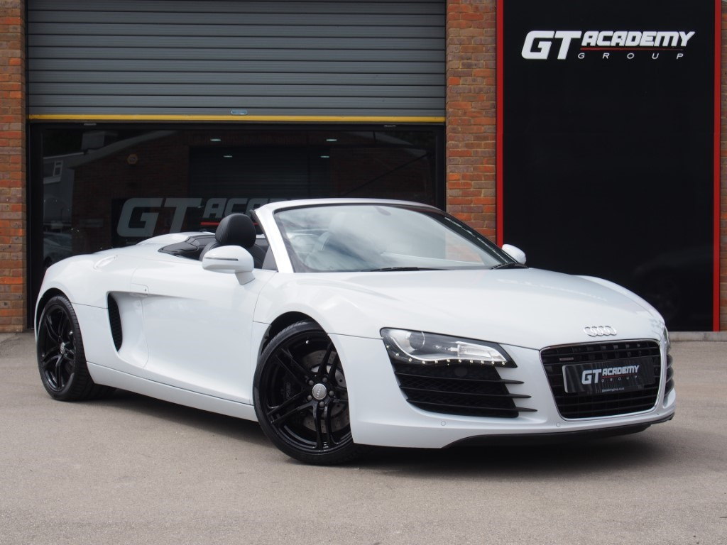 used Audi R8 4.2 V8 SPYDER QUATTRO AA INSPECTED - AUDI FSH in tring-hertfordshire