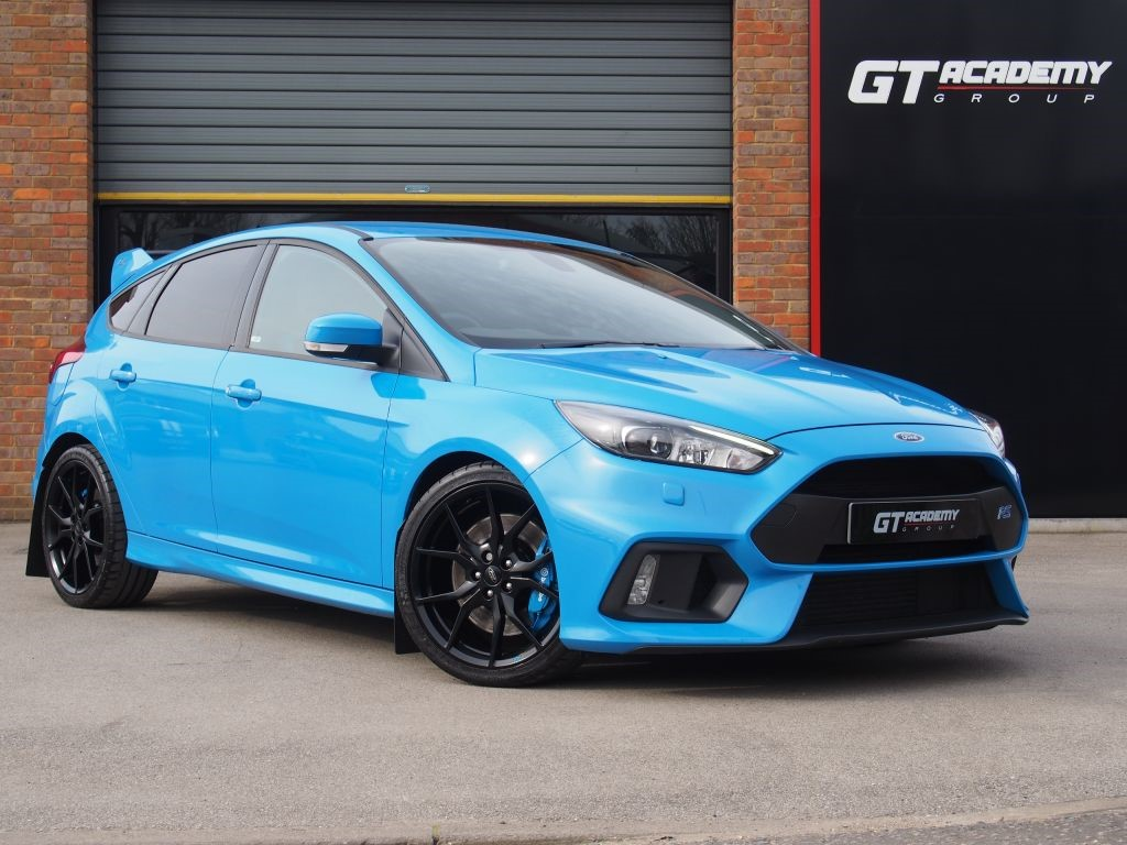 """used Ford Focus 2.3 RS 1 OWNER - LUX PACK - 19"""" ALLOYS - NAV in tring-hertfordshire"""