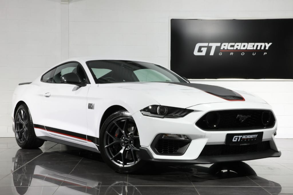 used Ford Mustang 5.0 V8 MACH 1 - 1 OWNER - RECARO SPORT SEATS in tring-hertfordshire