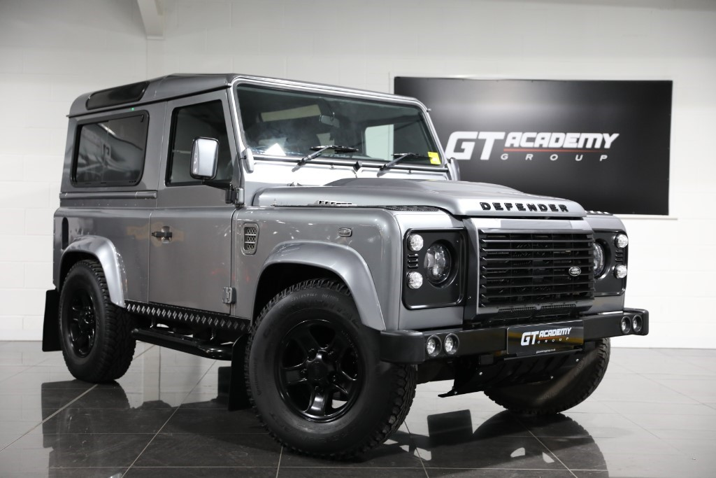used Land Rover Defender 2.2TD 90 XS STATION WAGON JE MOTORWORKS & URBAN TRUCK in tring-hertfordshire