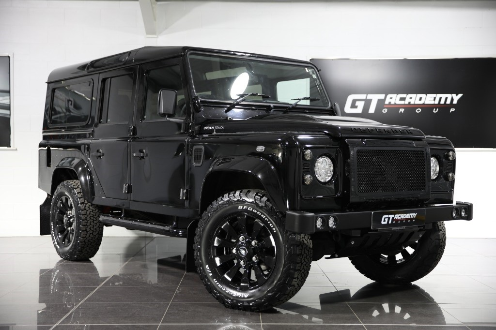 used Land Rover Defender 110 TD XS STATION WAGON - URBAN TRUCK UPGRADES - 2 OWNERS in tring-hertfordshire