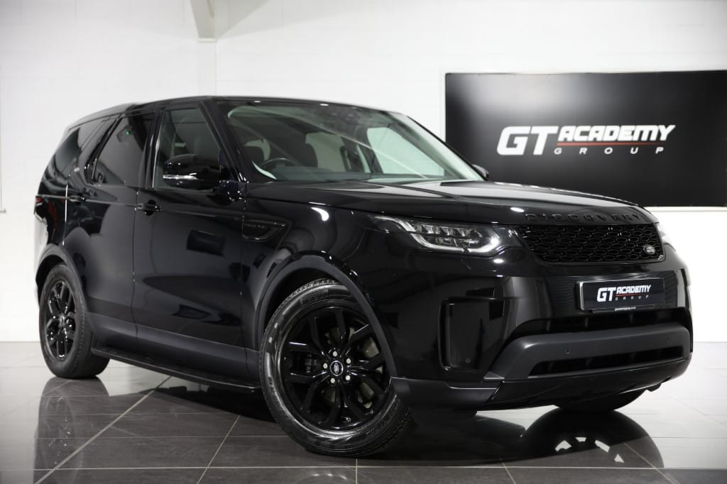 used Land Rover Discovery 2.0 SD4 SE - 1 OWNER - BLACK PACK - SAT NAV in tring-hertfordshire