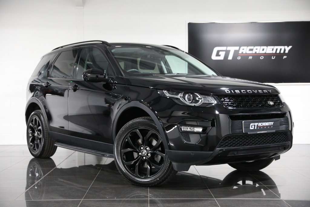 used Land Rover Discovery Sport 2.0TD4 HSE - 1 OWNER - PAN ROOF - BLACK PACK in tring-hertfordshire