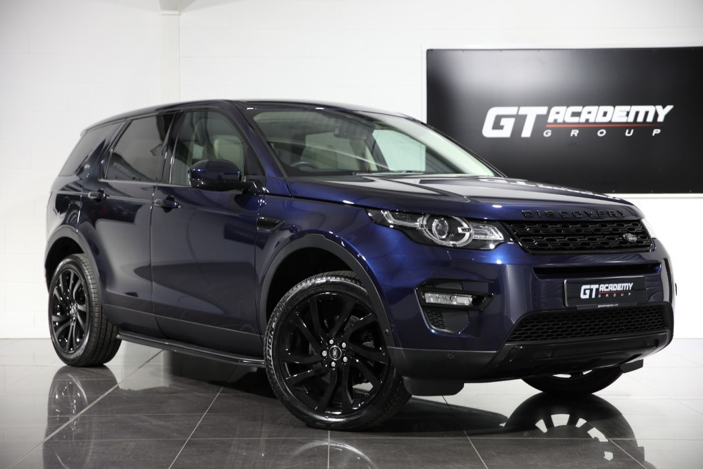 used Land Rover Discovery Sport 2.0TD4 HSE LUXURY - 1 OWNER - PAN ROOF - BLACK PACK in tring-hertfordshire