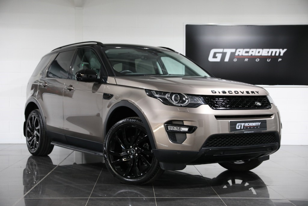 used Land Rover Discovery Sport 2.0TD4 HSE BLACK ** 5.9% APR PCP FINANCE OFFER ** in tring-hertfordshire