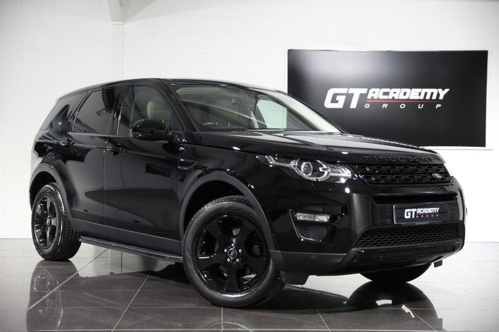 used Land Rover Discovery Sport 2.0ED4 HSE - 1 OWNER - PAN ROOF - BLACK PACK in tring-hertfordshire