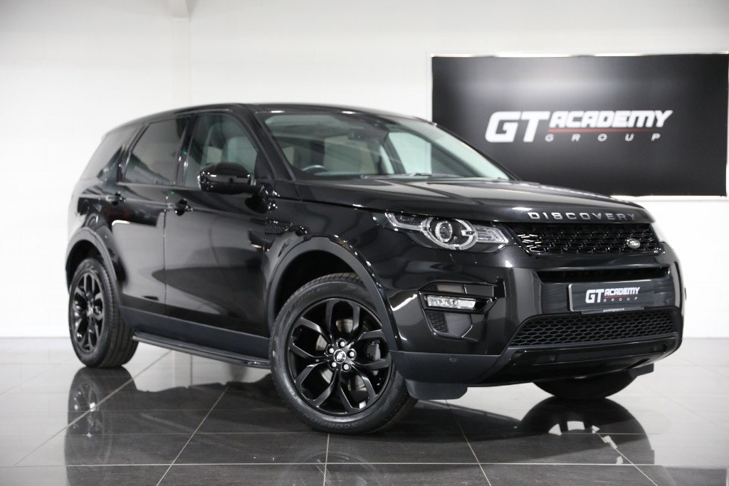 used Land Rover Discovery Sport 2.0TD4 HSE 1 OWNER - PAN ROOF - BLACK PACK in tring-hertfordshire