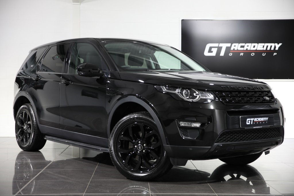used Land Rover Discovery Sport 2.0 TD4 HSE - 1 OWNER - PAN ROOF - BLACK PACK in tring-hertfordshire