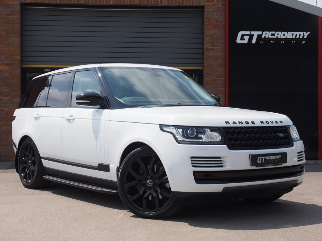 used Land Rover Range Rover 4.4SDV8 VOGUE AA INSPECTED - PAN ROOF - LR FSH in tring-hertfordshire