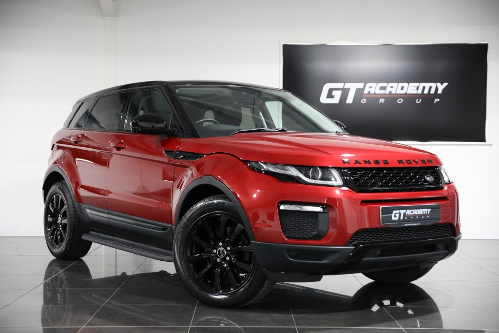used Land Rover Range Rover Evoque 2.0TD4 SE TECH ** 5.9% APR FINANCE OFFER *** in tring-hertfordshire