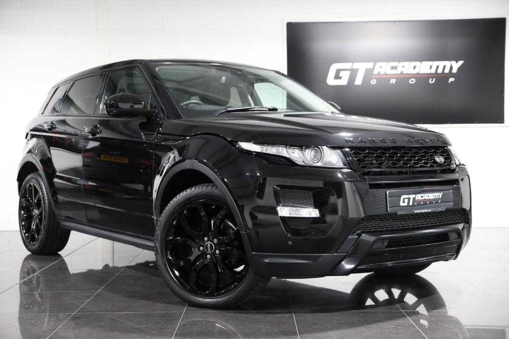 used Land Rover Range Rover Evoque SD4 DYNAMIC PAN ROOF - BLACK PACK - LR FSH in tring-hertfordshire