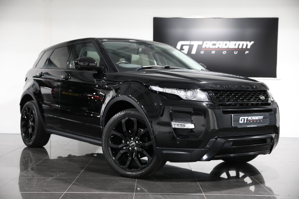 used Land Rover Range Rover Evoque SD4 DYNAMIC LUX - PAN ROOF - TV - BLACK PACK - FSH in tring-hertfordshire