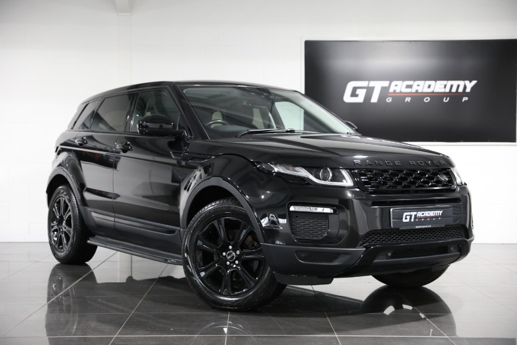 used Land Rover Range Rover Evoque 2.0 TD4 SE TECH ** 5.9% APR PCP FINANCE OFFER ** in tring-hertfordshire