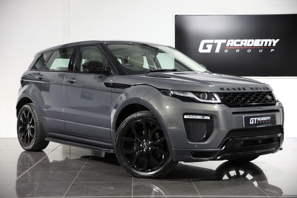 used Land Rover Range Rover Evoque 2.0TD4 HSE DYNAMIC LUX - 1 OWNER - PAN ROOF - BLACK PACK in tring-hertfordshire