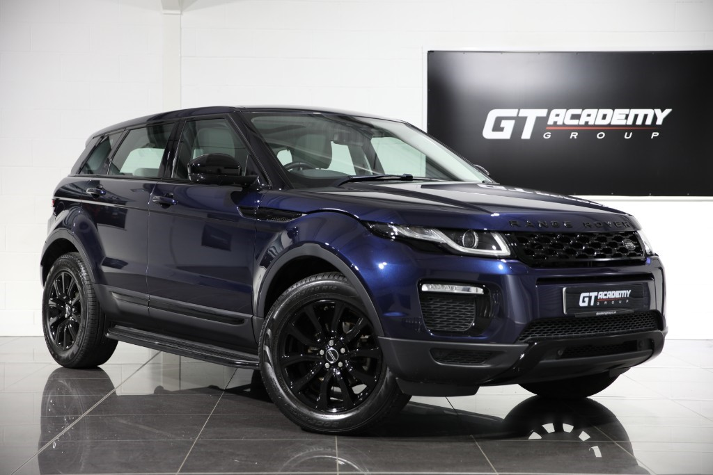 used Land Rover Range Rover Evoque 2.0ED4 SE TECH - 1 OWNER - PAN ROOF - BLACK PACK in tring-hertfordshire