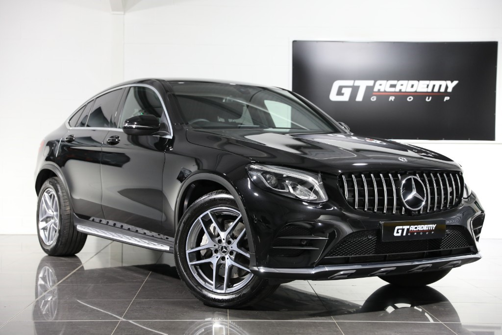 used Mercedes GLC250 4MATIC AMG LINE - 1 OWNER- GTR FRONT GRILLE in tring-hertfordshire